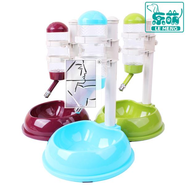 Watering bottle, water dispenser, pet article, cat food, dog head, automatic kettle, universal drinking fountain, water dispenser