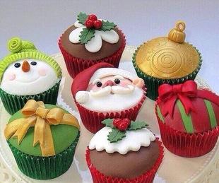 圣诞节的礼物 翻糖杯子蛋糕25元一个 翻糖饼干8元一块 超级可爱
