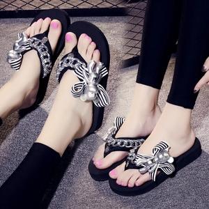拖鞋女外穿平跟人字拖鞋夏季夹脚卡通可爱凉拖鞋防滑中餐厅沙滩鞋