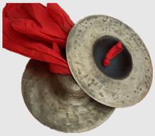 19cm спеццена доставка включена народ удар музыкальные инструменты бронза небольшой тарелки медь гонг пекин тарелки пекин тарелки три предложение половина армия тарелки гонг барабан