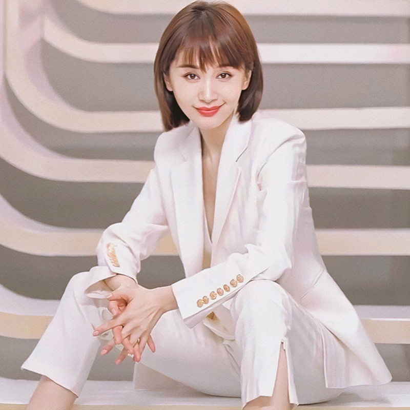 maje kara star with a white suit suit female high-end Korean version of the professional suit jacket three sets