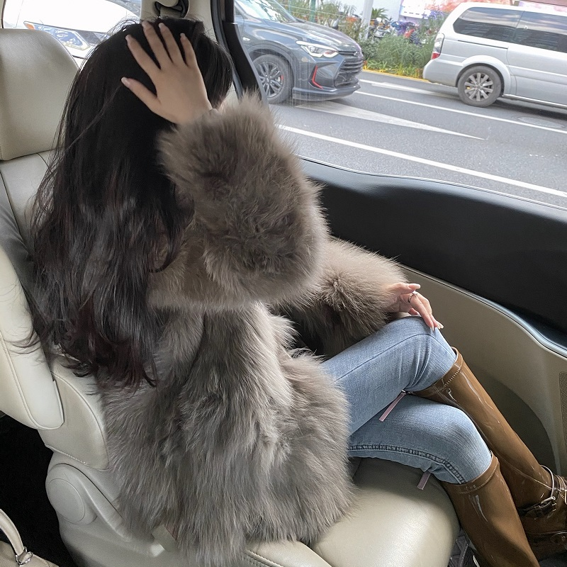 Wuuus fox fur woman 2020 new young hairy fried street coat foreign pie thin