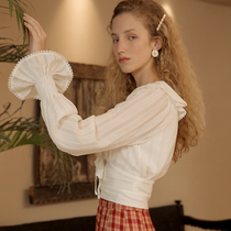 ISISLOVE original design French doll collar base shirt white lace top female trumpet sleeve Foreign color jersey