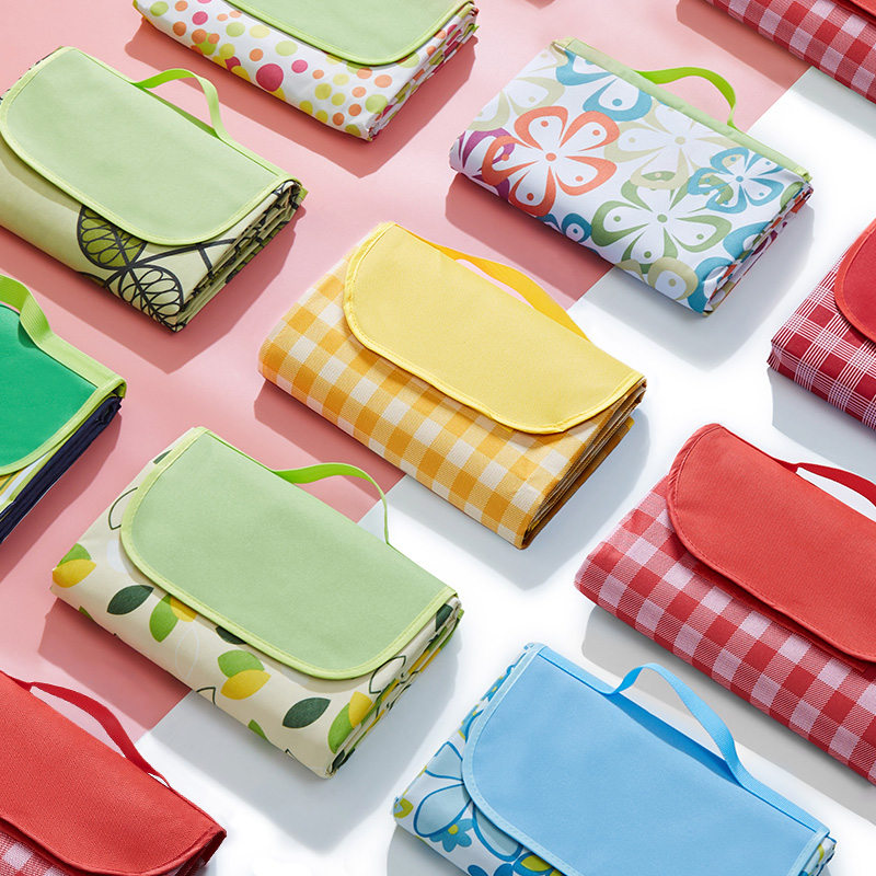 Picnic mat spring tour moisture-proof mat picnic cloth outdoor portable waterproof grass picnic mat outing thickened ins wind