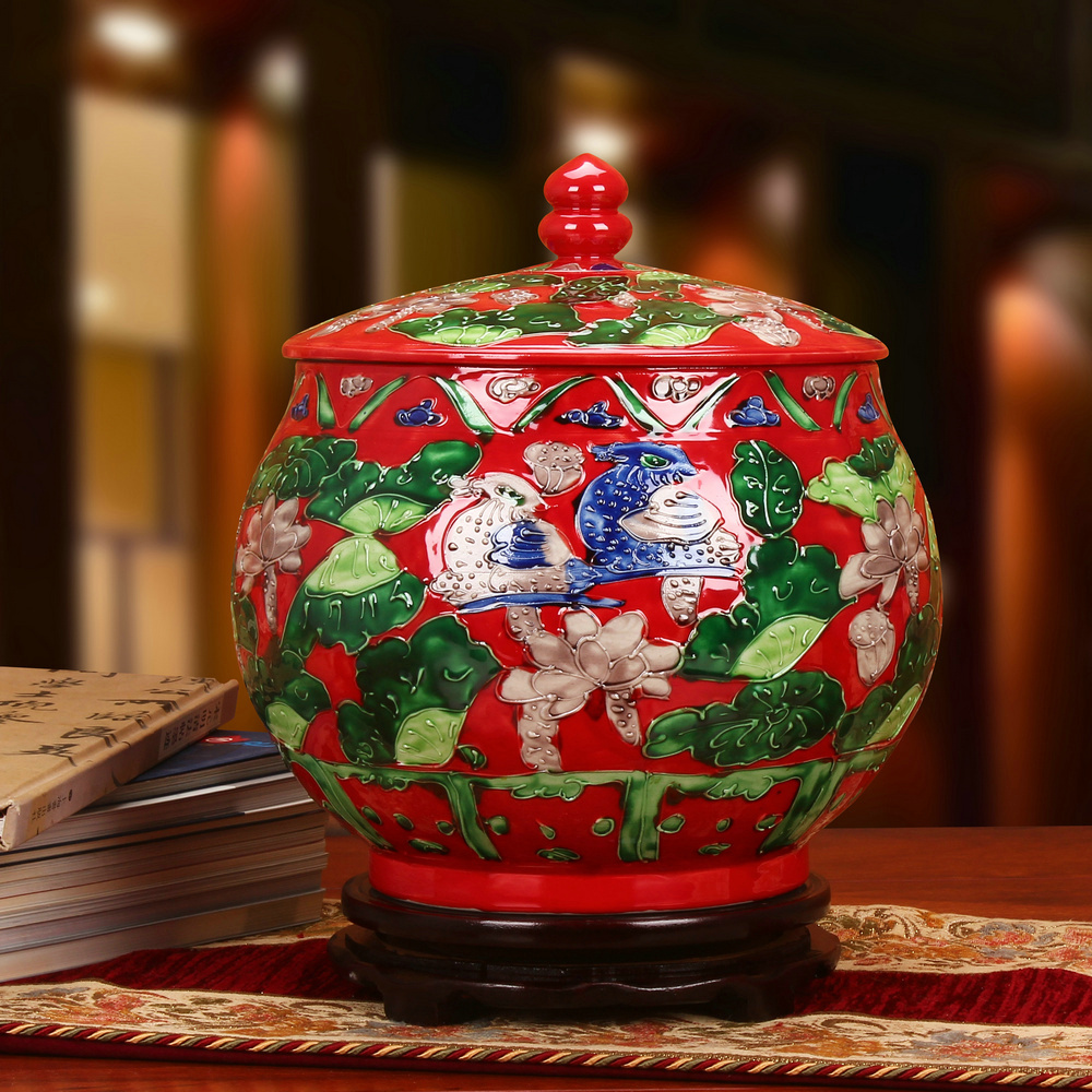 Jingdezhen Ceramics Antique Carving Red Mandarin Duck Ornaments Storage Tank Rice Jar Melon Seed Jar Wedding Gift