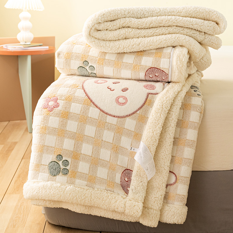 Office nap blankets with thick lamb velvet colored bedding winter warm coral velvet mats牀 small colored rabbit blankets