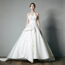 2019 original new wedding dress travel dating tail French Light Luxury satin tailing a word shoulder thin small