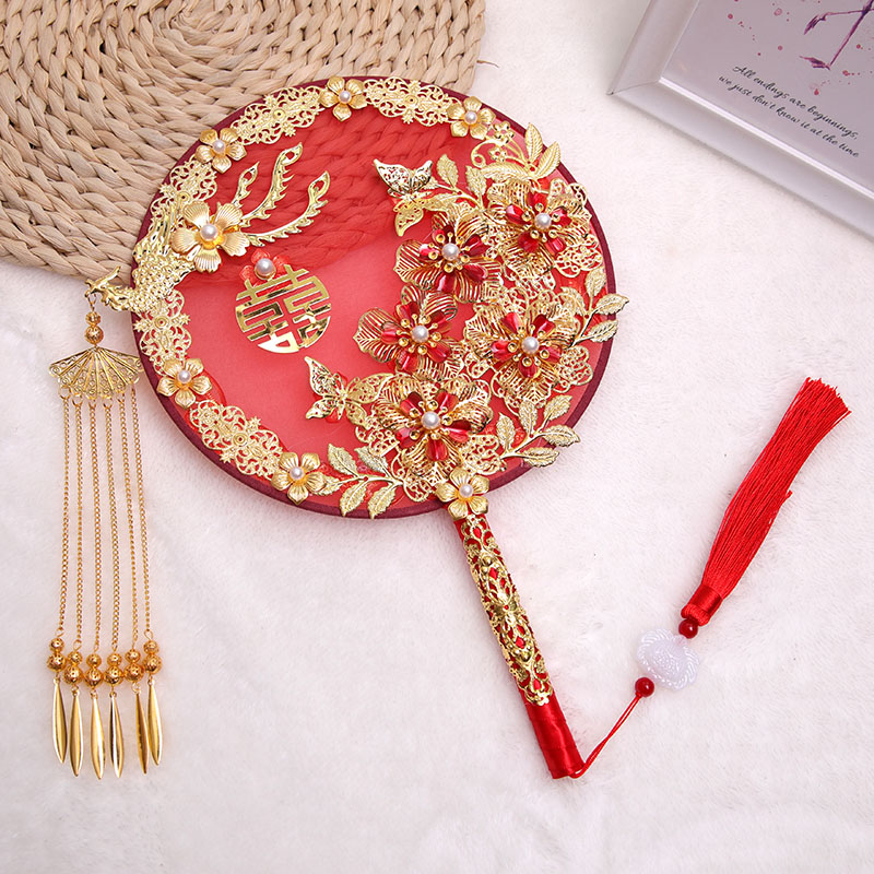 Bride Chinese-style hand-held flower shaking tone recommended wedding hand-held ancient wind group fan wedding happy fan honey gift out of the wedding fan