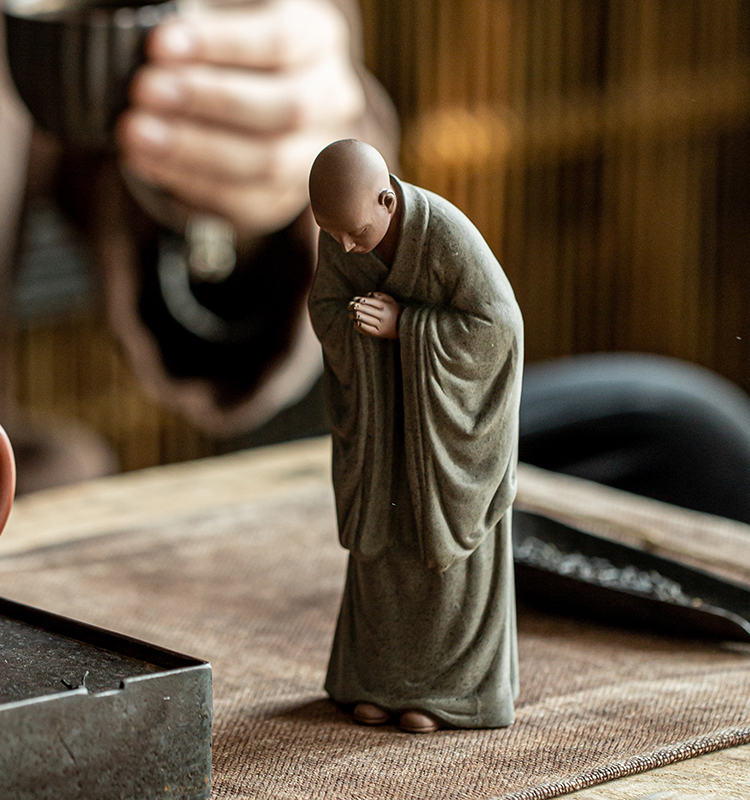 Boutique handmade purple sand small monk tea favorite decoration can support the character Xiao Shami Zen tea ceremony tea room tabletop decoration