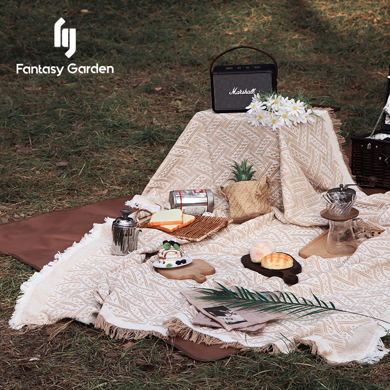 Fantasy Garden Dream Garden picnic blanket thickened with portable outdoor moisture-proof mats for spring tour camping lawns