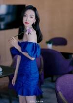 Korean summer one-word shoulder dress Song Qian with the same temperament bag hip skirt Pleated girdle skirt bubble sleeves irregular