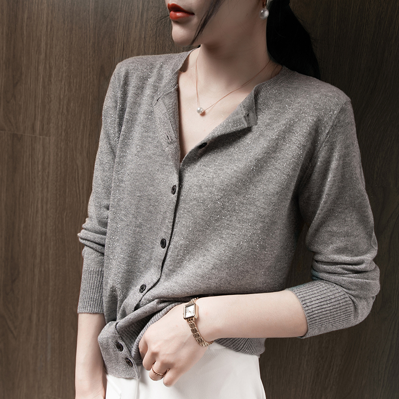 Europe Station Fall 2020 thin cashmere knitted cardigan womens small fragrance temperament outside the shawl sweater small coat