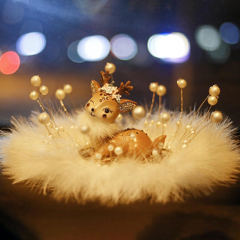 All the way Ping An deer car decoration ornaments in the control of the station car supplies in the whole car goddess high-end woman