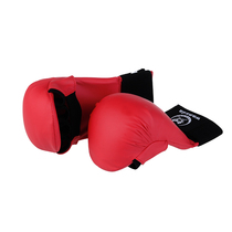 Wansheng reached man boxer Thai boxing Sanda fight boxing gloves hit sandbag sandbags training boxing gloves