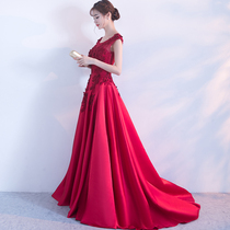 Spring and summer red show thin party girl Tow