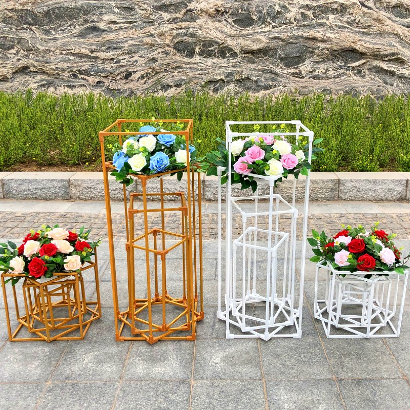 Wedding Geometry Road leads to a new prop iron box hotel auditorium decorated with window decoration T-flower racks