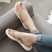 2017 new Korean flat sandals are flat with pinch beach wear slippers slip out female summer