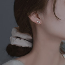 S925 sterling silver stud earrings for women are small and delicate. The new summer 2021 trend is a niche design with high sense earrings