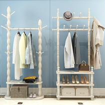 Porte-manteau en bois massif de plancher de la chambre de cintres européen Hall rack salon vêtements rack moderne minimaliste cintre