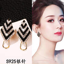 Hot style earring 2021 new fashion minority round face show thin atmosphere earring South Korean temperament high personality earring