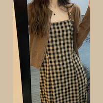 Early autumn 2021 New cold style womens high sense long sleeve plaid suspenders jumpsuit dress two-piece long