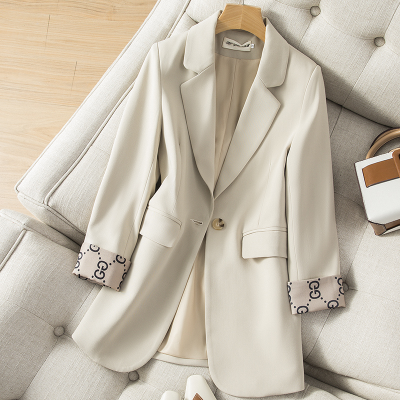 Small suit womens coat 2021 spring new Korean version casual fashion temperament wild professional wear high-end suit