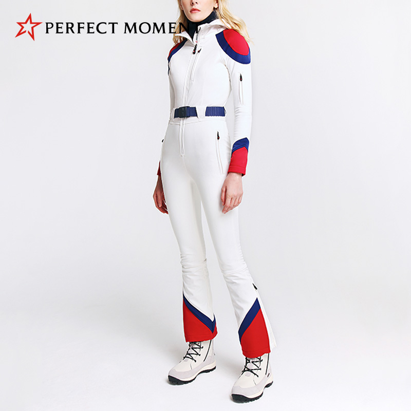 Ms. Perfect Moment teamed the ski suit with a waterproof wind-proof velvet and thin hooded belt double-plate suit