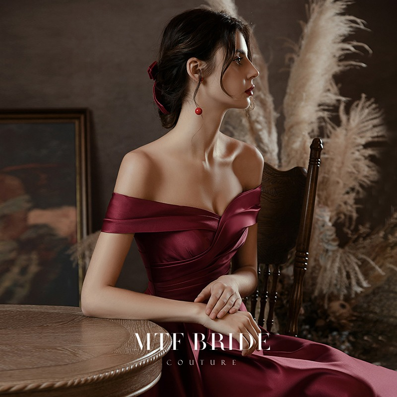 Manting Fang (F-tone melody) toast 2020 new bride one-word shoulder banquet temperament high-end evening dress