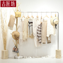 Creative womens clothing store decoration design clothing store display rack branch shelf Floor-to-ceiling island rack wooden hanger pole