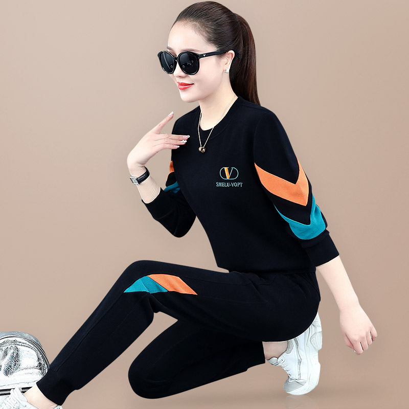 European sweater suit female spring and autumn 2021 new fashion round neck loose Korean casual sportswear two-piece set