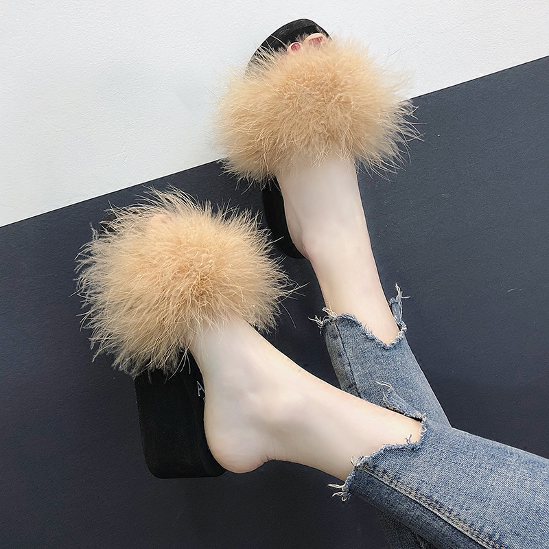 Korean version of fashionable wool thick sole slippers for girls wearing a hundred pairs of shoes outside students'muffins on flat sole slopes and one-word slippers in summer