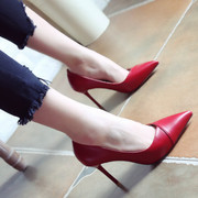 The red wedding shoes 2017 new spring and the wind pointed shoes skinny stiletto heels fashion shoes shoes