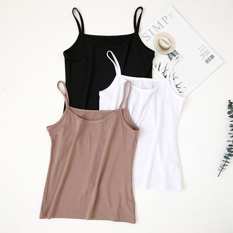 The Modale strappy vest girls short slim-cut top was paired with a student black leggings in the spring and summer
