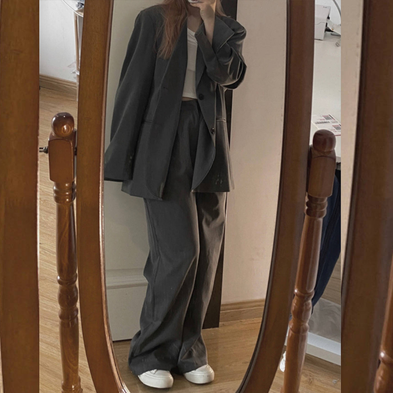 (Sitting eat mountain air)South Korea loose casual niche black oversize gray blazer female spring and autumn thin section