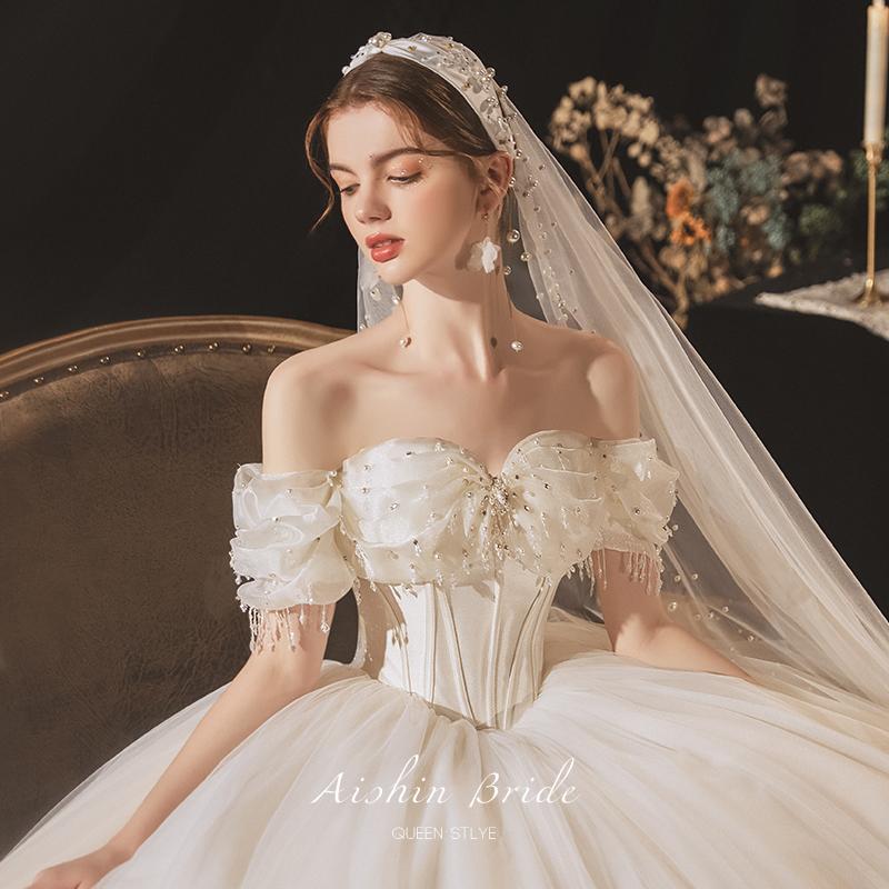 French main wedding dress 202021 new one-word shoulder-dragging bridal dress temperament super fairy high-end dream little man