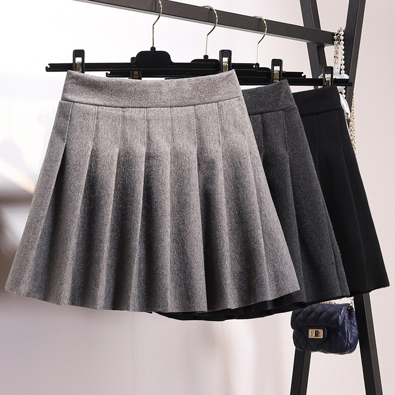 South Koreas autumn and winter new high-waisted and elastic anti-light hair and pleated skirt skirt poncho skirt short skirt girl