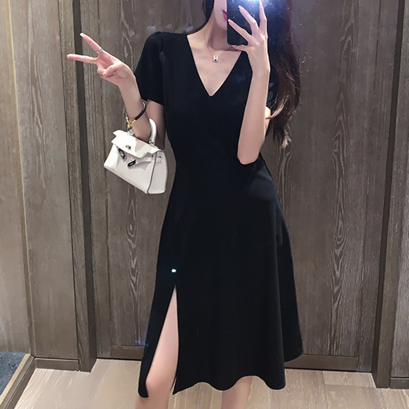 Big size womens 2021 new heart machine V collar open fork French small black skirt fat mm age thin dress summer