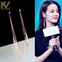 High-level earrings 2020 new trendy Korean temperament net red autumn and winter earrings flowing Su ear needle female long version of the earrings