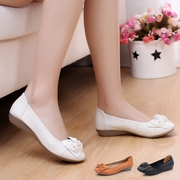 In the old leather shoes Dichotomanthes end women shoe soft bottom flat heel casual shoes shoes Doug mother code spring