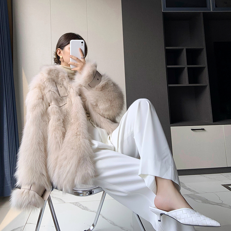 Fox fur coat female mid-length loose locomotive young Haining 2020 winter new leather fur one
