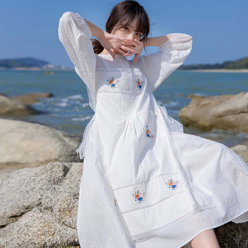 Spring Summer 2021 New white embroidered lace dress loose French idyllic gentle wind holiday fairy dress