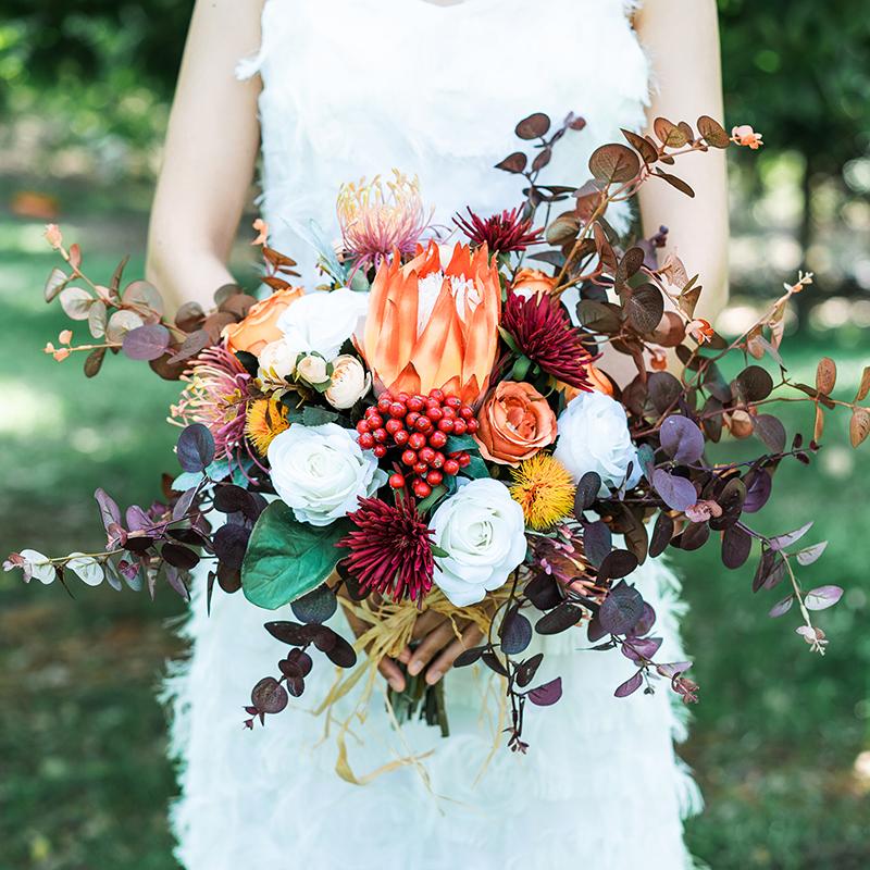 Mori ancient bride holding flowers outdoor wedding simulation bouquet orange irregular photo wedding photography props