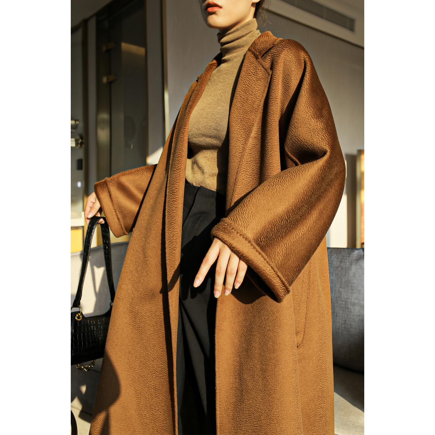 MAX with the same high-end engraved classic large umbrella bathrobe caramel-colored labbro double-sided water ripple cashmere coat