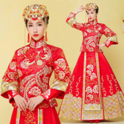 Baby with the bride wedding dress dress show Wo Chinese dress wedding dress spring 2017 show Wo dragon gown