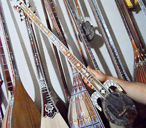 Professional new Xinjiang mother Kamu troupe dedicated musical instruments 90CM standard hotwap hand-crafted
