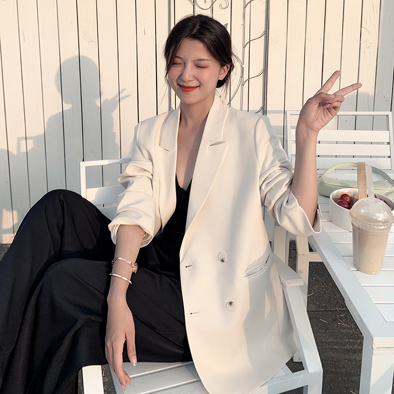 High-end spring and autumn thin blazer female design sense niche Korean version British style White casual small suit