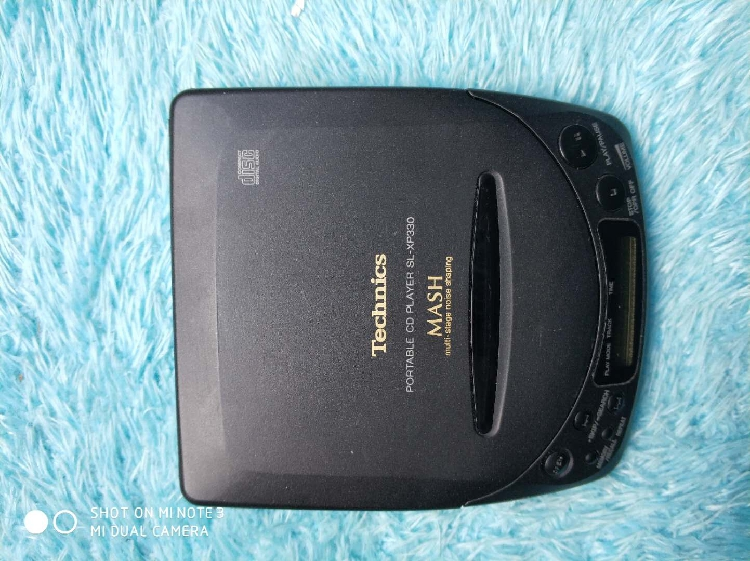 [Secondhand products]Panasonic Panasonic SL-XP330 CD player Walkman Reads the normal function