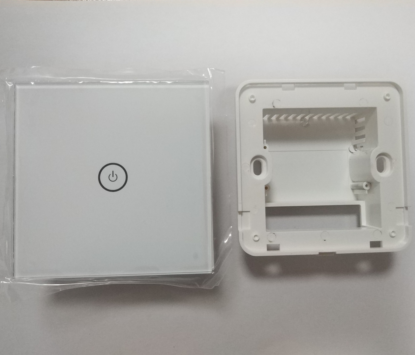 Type 86 smart home housing kit, wiring port groove, pattern and text can be customized by laser engraving