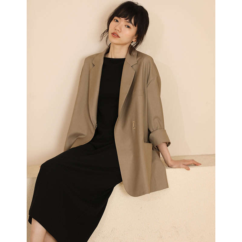 Miss Hat tooth Chen Aijia spring and summer long-sleeved V-neck loose casual blazer cold wind vintage middle suit