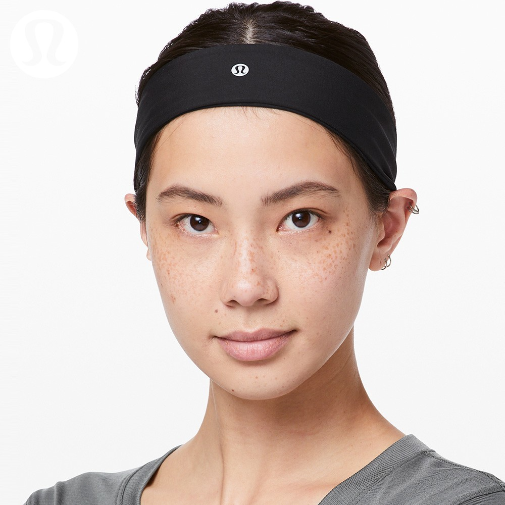 Lululemon Fly Away Tamer sports headband LW9AODS
